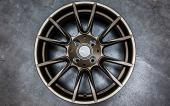 ProLine Wheels Felge in Bronze auf Boden